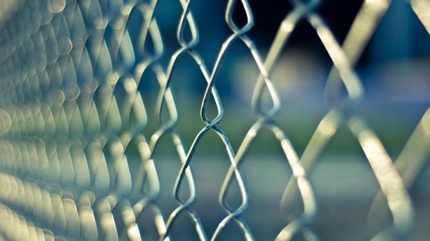 Мъж влиза в затвора за домашно насилие
