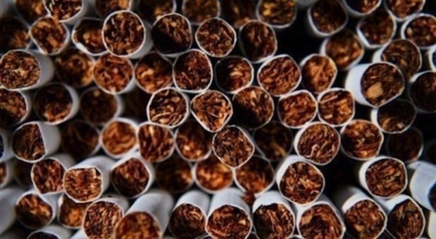Задържаха двама със 752 000 кутии цигари без бандерол