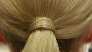 Ученици от Велинград даряват косите си на онкоболни