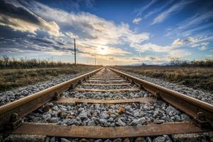 Снимка: Влак блъсна човек при гара Лакатник