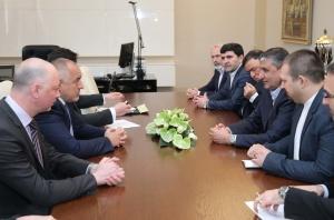 Снимка: Бойко Борисов се срещна с министъра на пътищата  и градоустройството на Иран Мохаммад Еслами