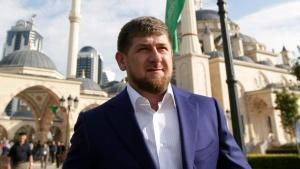 Задоволство от поражението на Петро Порошенко и предпазливост по отношение