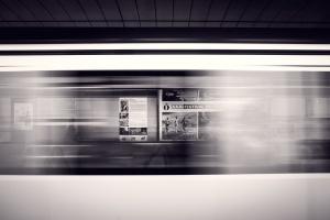 Столичният метрополитен ще изгради обезопасителни врати на метростанциите