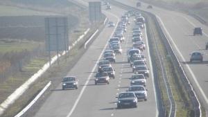 """Агенция """"Пътна инфраструктура"""" апелира шофьорите да карат разумно и със"""