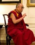 Далай Лама е приет в болница