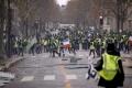 """189 задържани при протеста на """"жълтите жилетки"""" в Париж"""