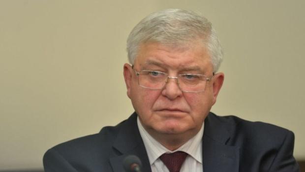 Министър Ананиев поздрави здравните работници за празника им