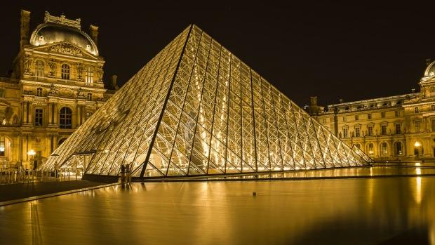 """Творбите на изкуството от """"Нотр Дам"""" ще бъдат преместени в Лувъра"""