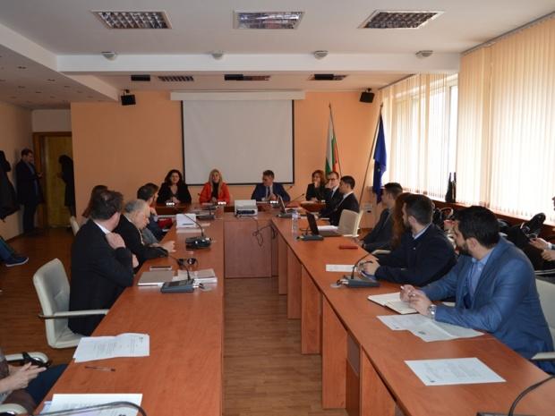 Европейската комисия подкрепя подобряването на бизнес средата в България