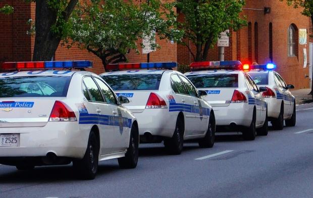 Кола се вряза в група хора във Филаделфия