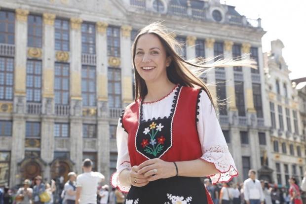 Ева Майдел повежда Голямото българско хоро в Брюксел за трета поредна година