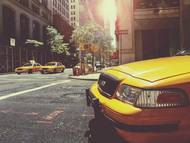 """Догодина """"Тесла"""" пуска на пазара в САЩ такси без шофьор"""