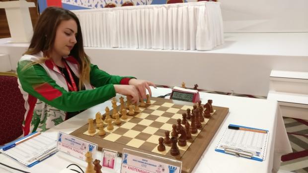 Златното момиче на българския шах Нургюл Салимова вече е гросмайстор за жени