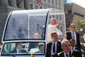 Днес е и вторият ден от визитата на Папа Франциск