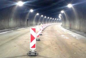 """Снимка: Затруднено движение през един от тунелите на """"Хемус"""""""
