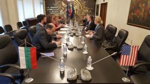 Чрез помощите си за развитие България и САЩ могат