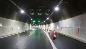 """Снимка: Променят организацията на движението в тунела """"Топли дол"""""""