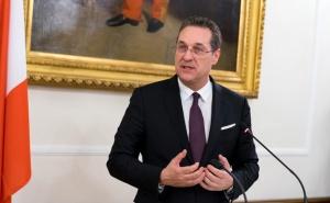 Австрийският вицеканцлер Хайнц-Кристиан Щрахе, ключова фигура в европейската крайна десница,