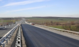 18 нелегални мигранти и двамата им български водачи бяха заловени
