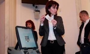 ИК изключва възможността машинния вот да бъде манипулиран. С наближаването