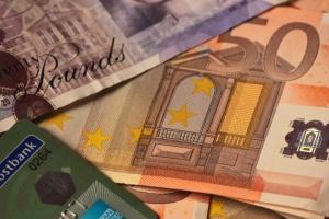 Фалшиви банкноти от 50 паунда са засечени в България. Сигналът