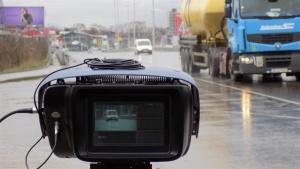 Камерите, които следят за скоростта, както и ограниченията по пътищата,