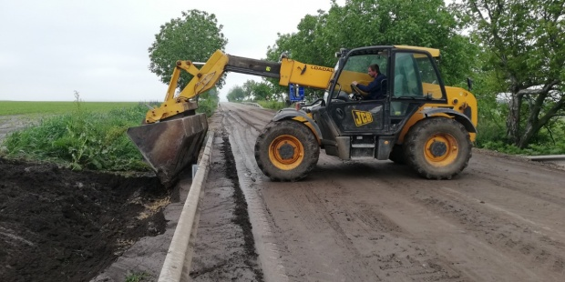 АПИ разчиства калните маси на третокласната пътна мрежа във Велико Търново