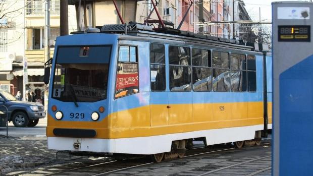 Трамвай се запали в центъра на София