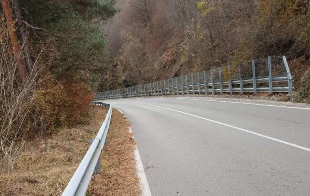 Утре ограничават движението по пътя Средногорци -  Рудозем