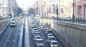 Снимка: Тролейбусната спирка в тунела на НДК е преместена от вътрешната страна на локалното платно