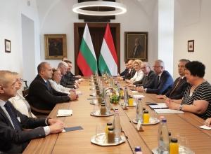 Продължава посещението на президента Румен Радев в Унгария. В този