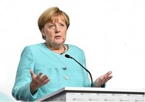 Германската канцлерка Ангела Меркел заяви днес, че западните санкции срещу
