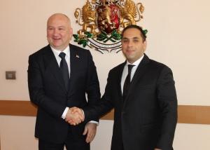 Министърът на икономиката Емил Караниколов и министърът, отговарящ за иновациите
