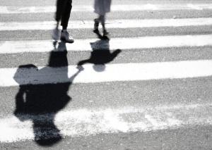 Възрастна жена беше блъсната,докато пресича на пешеходна пътека във Варна.Инцидентът