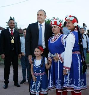 В пъстрата палитра на българския фолклор шопският има своето ярко