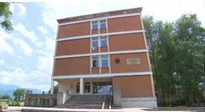 Снимка: Инспектори и полицаи влязоха в Ботевградско училище заради отсъстващи ученици