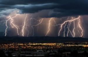 Жълт код за валежи и гръмотевични бури е обявен за