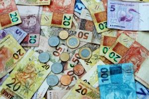 Над половината от българите са доволни от заплащането си, а