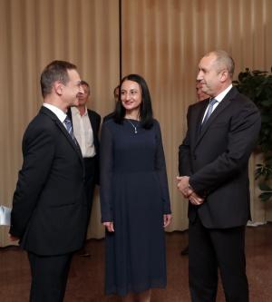 Радев в Женева: В България най-много липсва непримиримостта към ниското качество