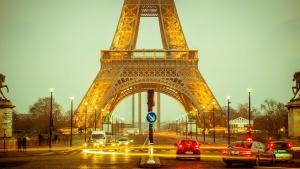 Откриха гореща линия заради жегите във Франция