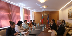 Грузия иска опита на България в производството на етерично-маслени култури.