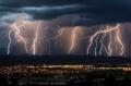 Жълт код за утре: Порои и гръмотевични бури удрят страната