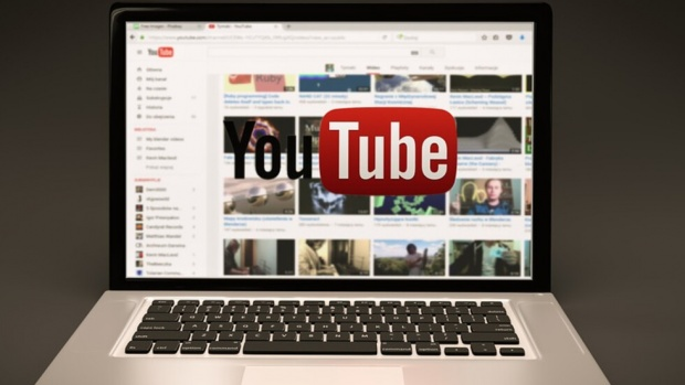 Сринаха се Youtube и Snapchat
