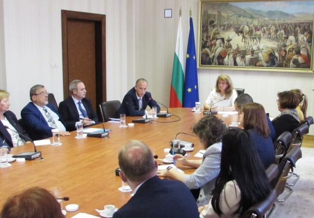 Вицепрезидентът: Децата с български произход да получат образование в България е национална кауза