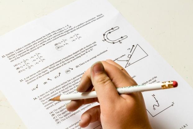 Провериха училището в Ботевград с успех 2.87 на матурата