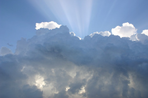 Днес ще бъде предимно слънчево с временни увеличения на облачността,