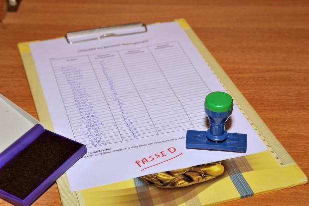 Приемат документи за записване на седмокласниците на 12, 15 и на 16 юли