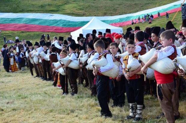 Над 200 хиляди души посетиха Роженския събор