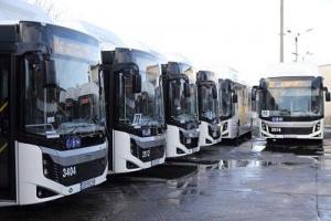 Автобус на градския транспорт и две леки коли се сблъскаха в София