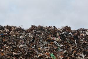 Осем контейнера с боклук - с тегло около 210 тона